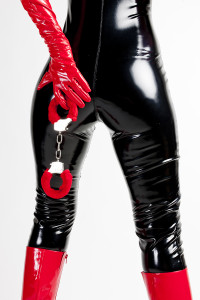 Kinky black latex